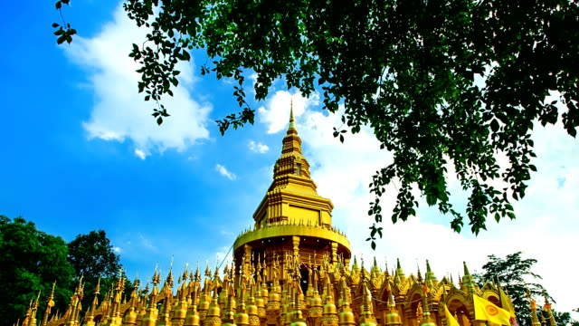 Golden Pagoda in Wat Pa sawangboon (Timelapse)