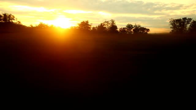 Golden sunrise mit fast auf dem Fenster