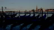 Gondeln auf die Lagune von Venedig