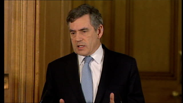 Gordon Brown outlines three year pay deal scheme for public sector workers ENGLAND London Downing Street No10 INT Gordon Brown MP press conference...