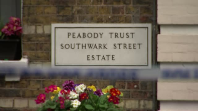 Stefano Brizzi found guilty R08041611 / 842016 Southwark Sign 'Peabody Trust Southwark Street Estate' PULL FOCUS police tape cordon END LIB