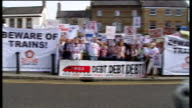 Government announces plans for high speed rail link between London and Birmingham ENGLAND London EXT Protesters holding up banners and placards...