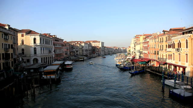 Grand Canal Gondeln und Taxi-Boot, Venedig, Italien