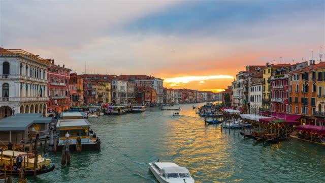 Canal Grande in Venedig, Italien bei Sonnenuntergang