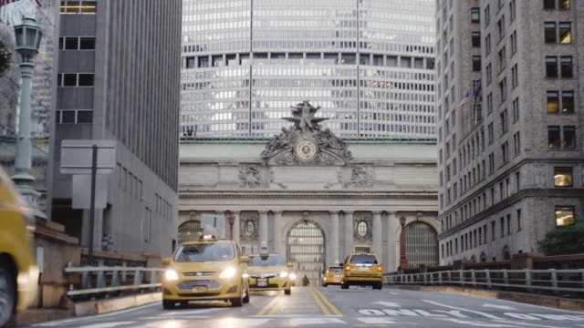 Grand Central Station - establishing shot - exterior - taxi cab - traffic