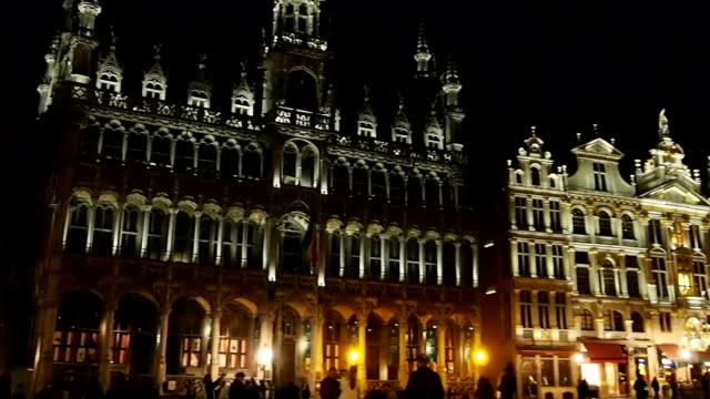 Grand Place in Brüssel in die Nacht