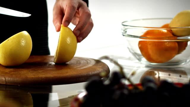 Grapefruit slicing