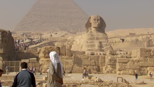 WS ZO Great Sphinx of Giza and pyramids / Giza, Egypt