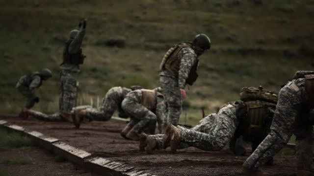 Green Berets doing push ups