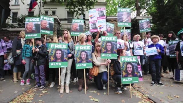 Greenpeace supporters held vigils across the world Saturday in support of the activists whose imprisonment has sparked a new row between Moscow and...