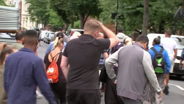Monthly silent march numbers grow R140717004 / ENGLAND London Kenisngton Notting Hill EXT People along during silent march along to mark one month...