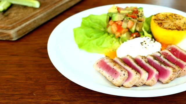 Grilled Tuna tartare with avocado and tomato
