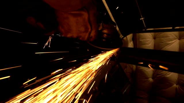 Grinder en Sparks