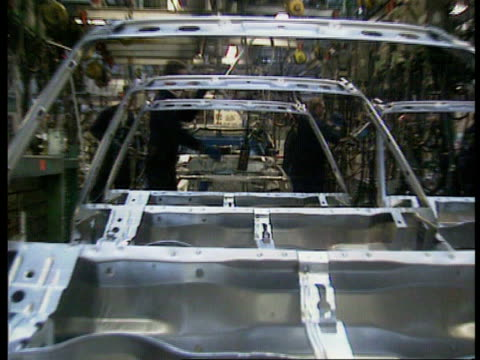 Group of seven talks INT ENGLAND MS Car bodies on production line at CR2684 Liverpool Vauxhall motors plant 5490 Ellesmere MS Car bodies being...