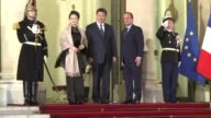 Guests arrive for a French state dinner honoring Chinese President Xi Jinping at which French President Francois Hollande evoked the human rights to...