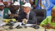 Guinea el pais de Africa occidental donde se inicio la epidemia de ebola mas grave jamas registrada quedo libre de la transmision de esta enfermedad...