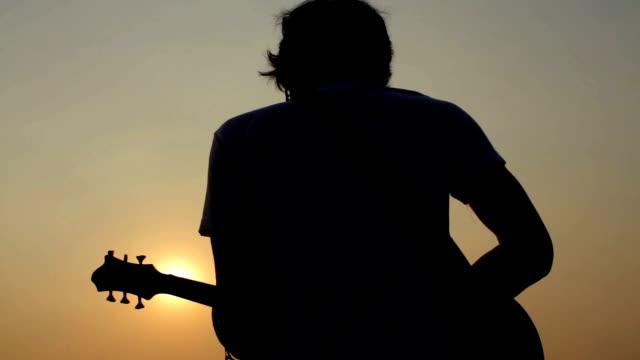 guitarist silhuette