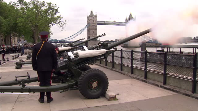 Gun salute in London to mark Prince Philips 92nd Birthday with Tower Bridge in background Gun Salute in London for Prince Philip on June 10 2013 in...