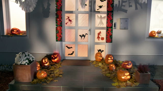 HD CRANE: Halloween Home