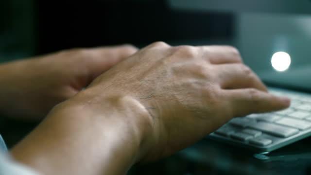 Hand Tippen