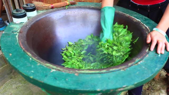 Handgemaakte Fried teaHandmade gebakken thee