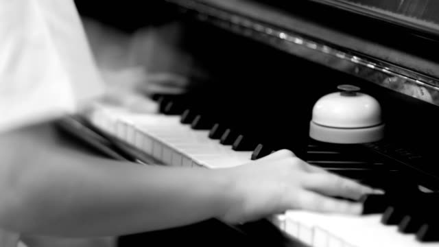 Hands playing the piano, funny, humor