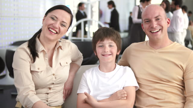 HD: Happy Family In The Bank