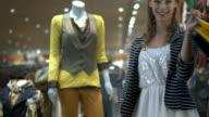 HD DOLLY: Happy Shopaholic