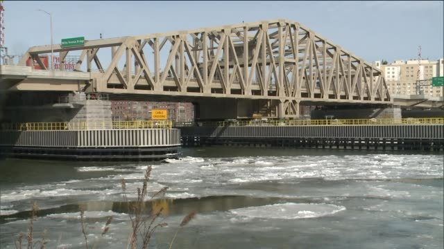 Harlem River freezes over Willis Avenue Bridge from First Avenue and East 124th Street in Manhattan to Willis Avenue and East 134th Street in the...