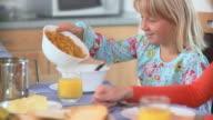 HD DOLLY: Having Breakfast