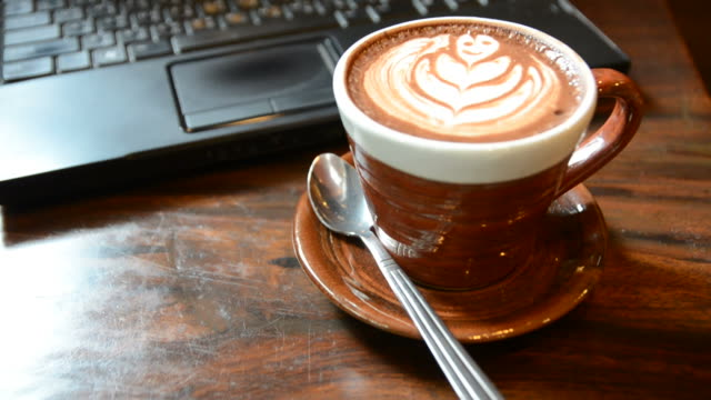 http://media.gettyimages.com/videos/hdcoffee-break-for-relax-time-with-laptop-in-coffee-shop-video-id482149986?s=640x640