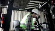 HD:Entering Forklift