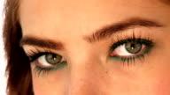 HD:Green eyes