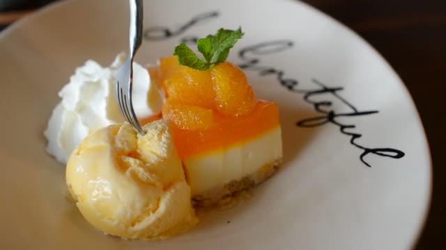 HD:Orange cake and cream