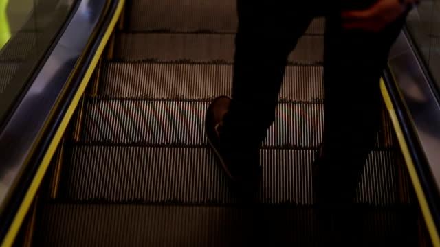 HD:People walk Escalator seamless loop