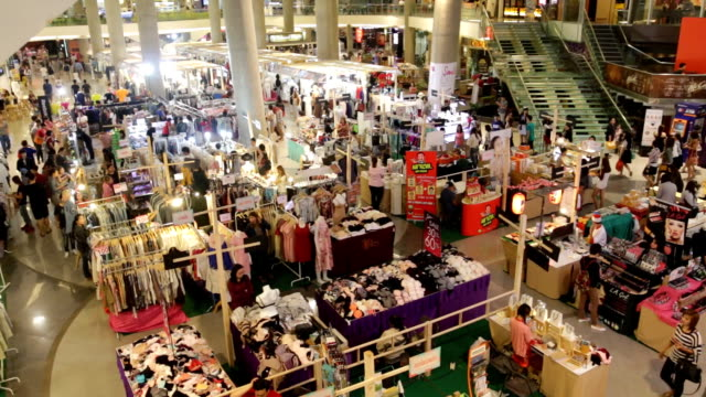 HD: Shopping personer