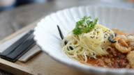 HD:Spaghetti thai sauce