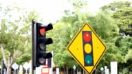 HD:traffic light changing from red to green, from stop to go