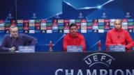 Head coach of Benfica Rui Vitoria and player Luisao attend a press conference at Vodafone Arena in Istanbul Turkey on November 22 2016 Benfica will...