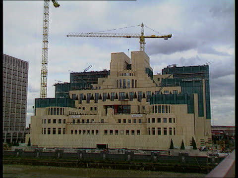 MI6 head revealed by Prime Minister ENGLAND London Vauxhall GV New MI6 headquarters under construction ZOOM MS Ditto