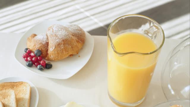 Tavolo per la prima colazione sana