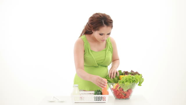 Healthy pregnant women.
