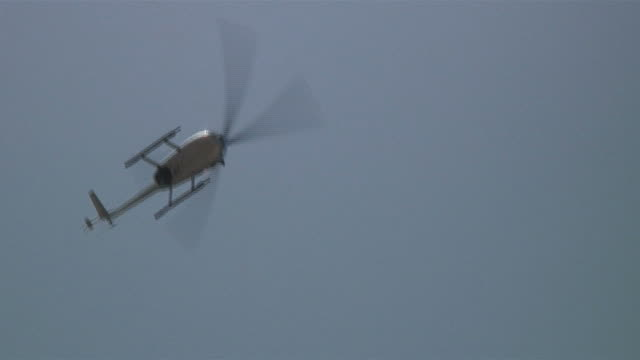 (HD1080i) Helicopter Rotates Clockwise in Air