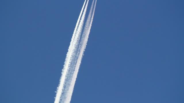 Hohe Flugzeug Sie