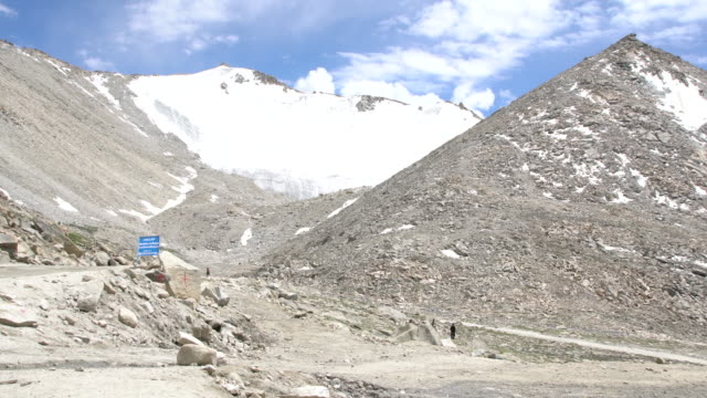 High peaks covered by snow at the Chang La Pass in Ladakh, India