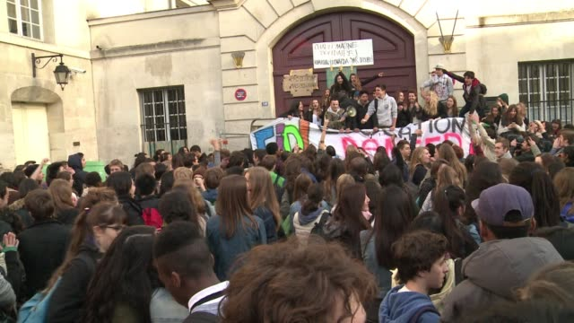 High school students blocked the entrance to several schools in Paris Thursday in protest against the deportation of foreign pupils following the...