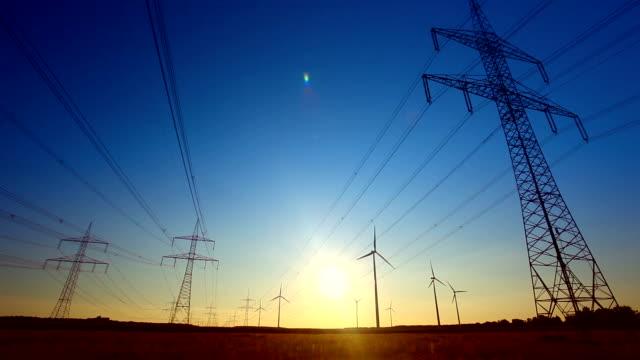 High Voltage Tower – Sonnenuntergang