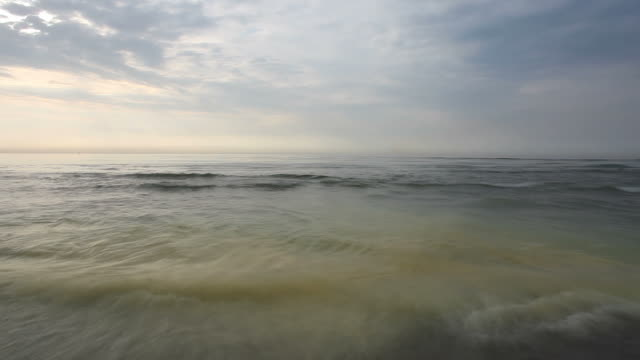 High water at the sea - time lapse