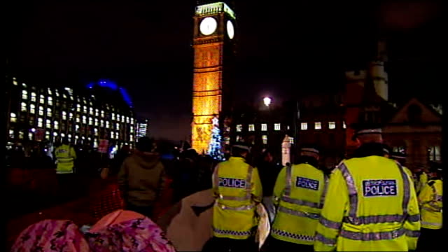 legal challenge over 'kettling' tactic / House of Lords vote ENGLAND London Westminster Metropolitan Police officers on duty in Parliament Square