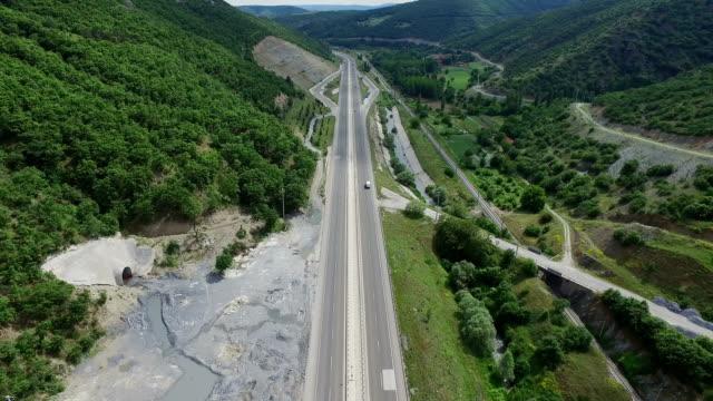 4 K luchtfoto Highway in het landelijk gebied